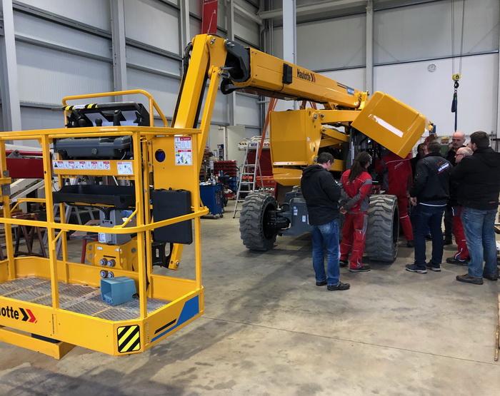 Service-Schulung für Haulotte HA20LE
